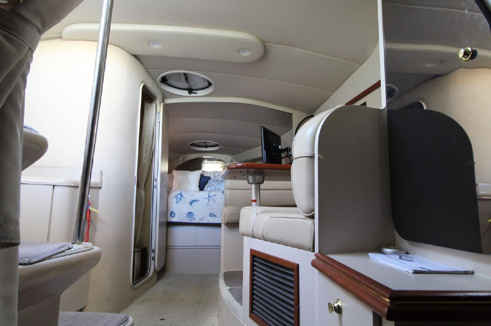 2000 Cruisers Yachts 3375 Express - Aft Berth looking fore