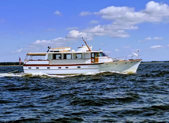 1969 Trumpy Houseboat
