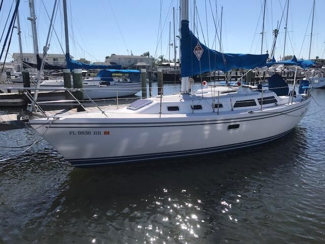 1993 Catalina 34 - Catalina 34 Portside at Dock