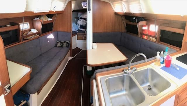 1993 Catalina 34 - Catalina 34 Salon w/Navy Blue Tweed Upholstrey