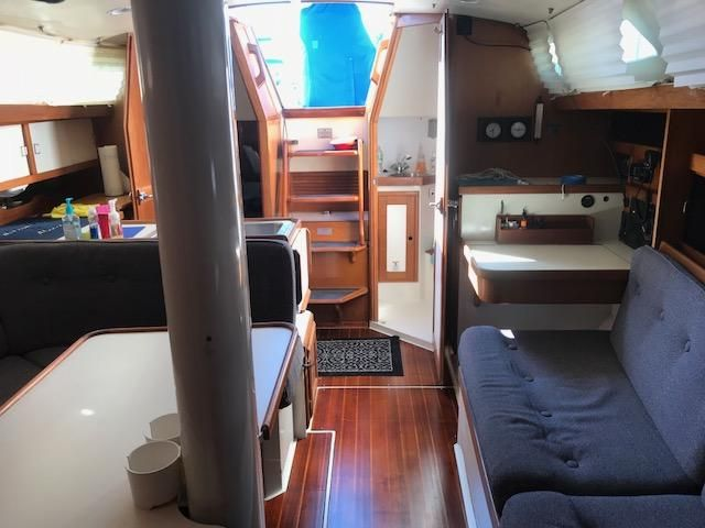1993 Catalina 34 - Catalina 34 Interior
