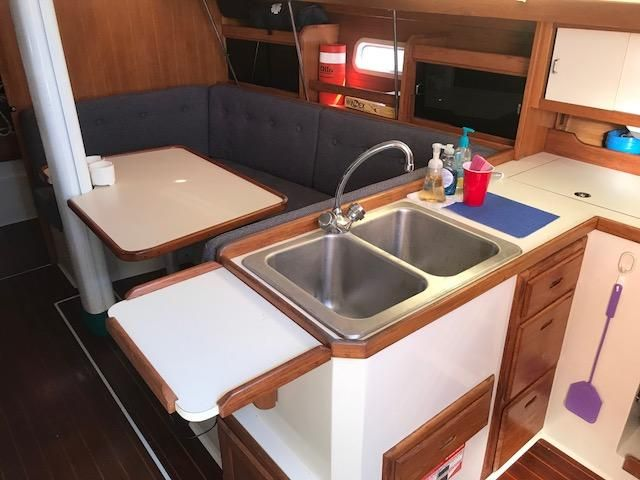 1993 Catalina 34 - Catalina 34 Expanded Counter Top