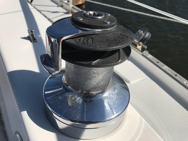 1993 Catalina 34 - Catalina 34  Self Tailing Winches