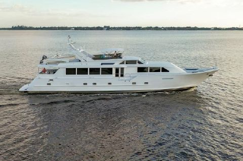 2000 Broward 100 Motor Yacht