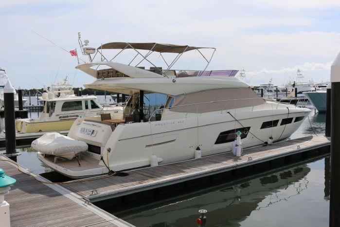 2013 Prestige Yachts