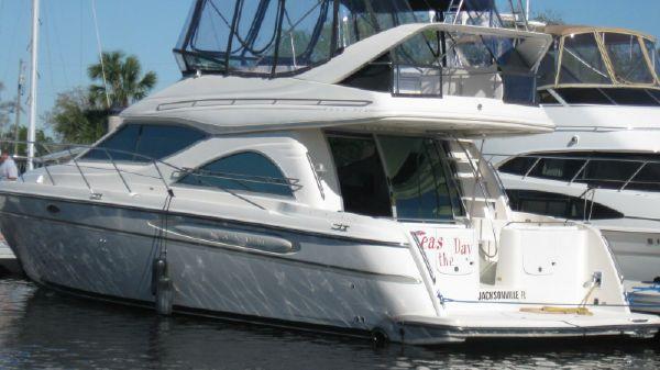 Maxum 4600SCB Port Exterior
