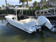 2017 Boston Whaler 27 DAUNTLESS
