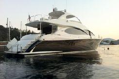 2005 Lazzara Yachts 68