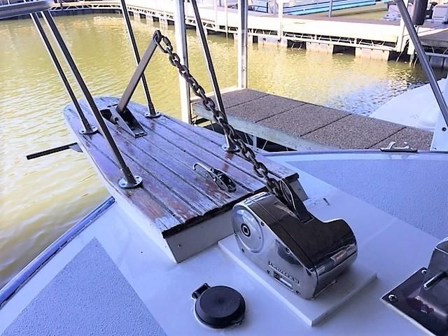 Bow Pulpit / Lewmar Windlass