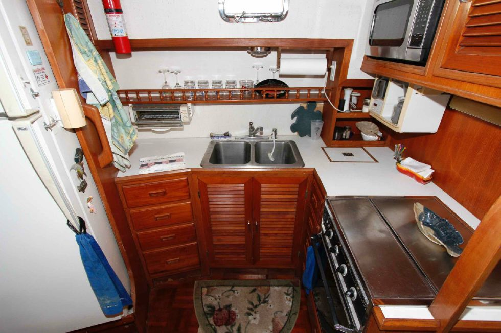 Jefferson 42 Sundeck Galley
