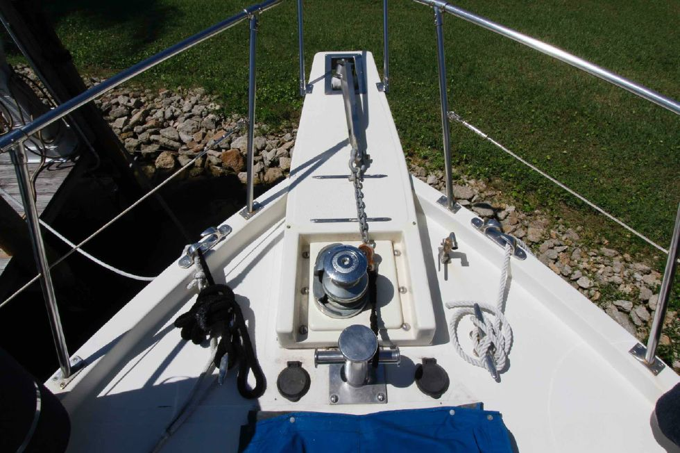 Jefferson 42 Deck Windlass