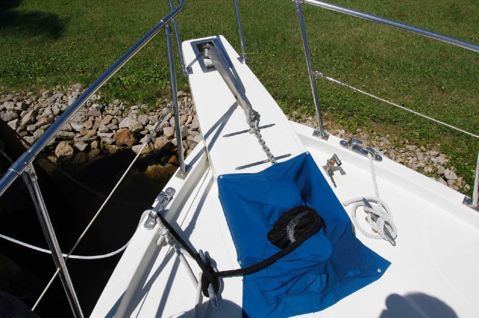 Jefferson 42 Deck Windlass Cover