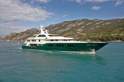 2013 Feadship Full Displacement