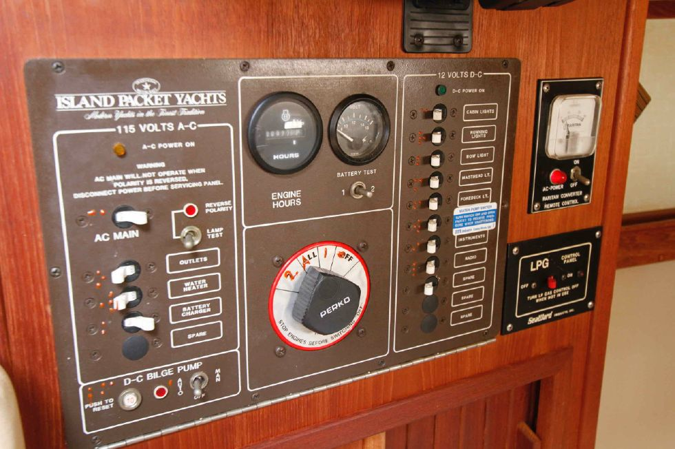 Island Packet 27 Electrical Panel