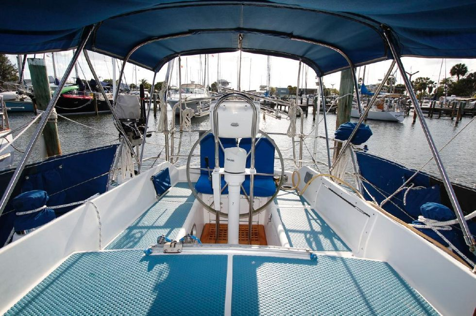 1980 Westerly Discus 33 Boats for Sale - Edwards Yacht Sales