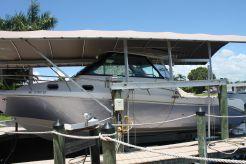 2017 Everglades 320EX