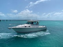2009 Pursuit 345 Offshore
