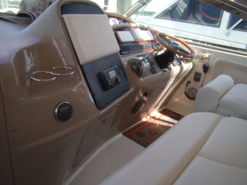 2002 Sea Ray 410 Express Cruiser - Helm / Electronics & Navigation 1