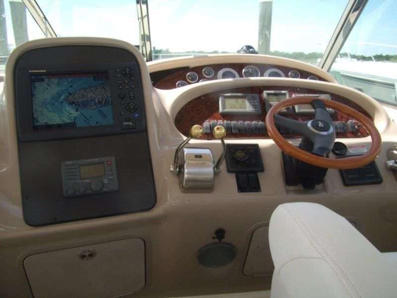 2002 Sea Ray 410 Express Cruiser - Helm / Electronics & Navigation 3