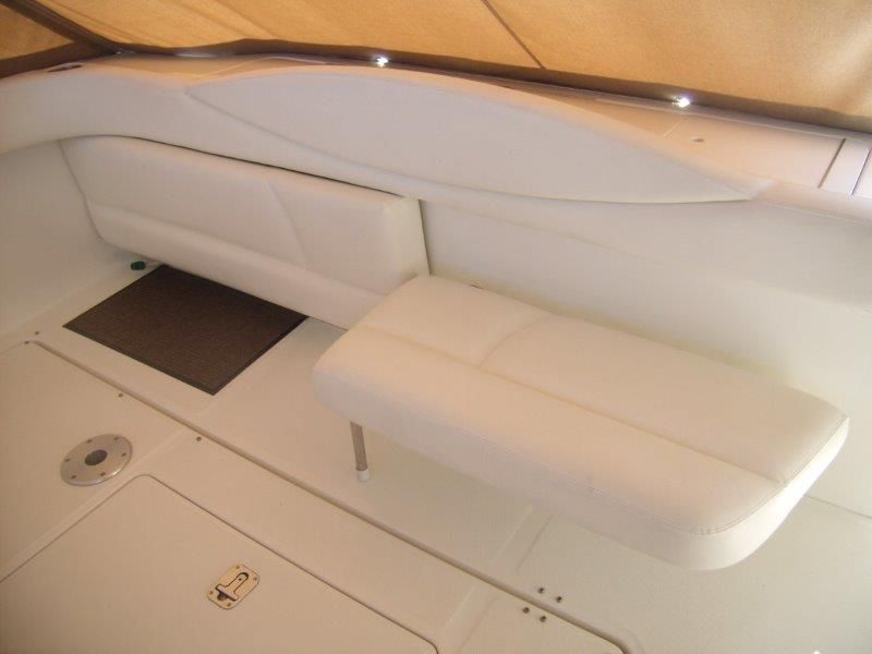 2002 Sea Ray 410 Express Cruiser - Cockpit 5 - Aft Seating