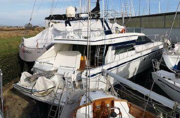 1991 Ferretti Yachts 58
