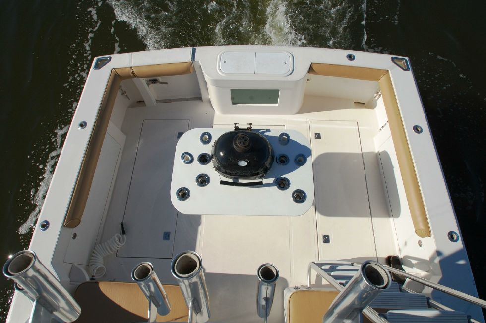 Cockpit from flybridge