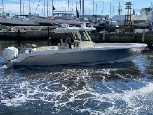 2018 Boston Whaler 330 Outrage