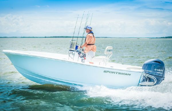 2018 Sportsman Island Reef 17 Center Console