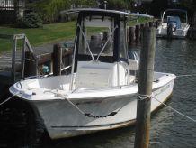 2006 Sea Hunt 202 TRITON