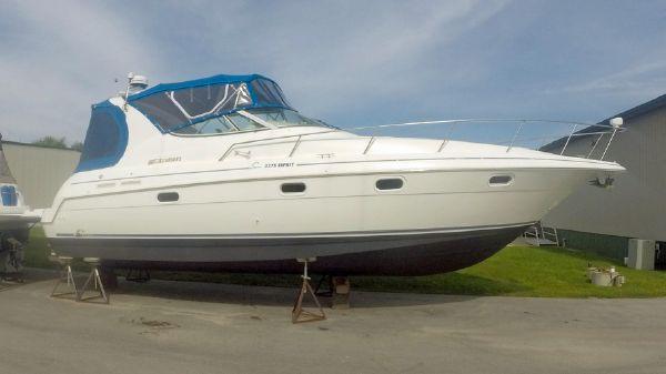 Cruisers Yachts 3375 Profile