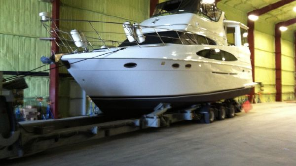 Carver 506 Motor Yacht Indoor Winter Storage