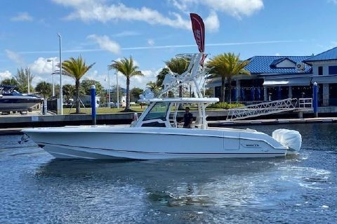 2017 Boston Whaler 380 Outrage