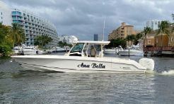 2019 Boston Whaler OUTRAGE 380
