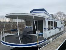 1982 Skipperliner Houseboat