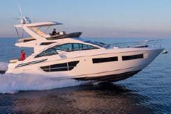 2021 Cruisers Yachts 60 Flybridge