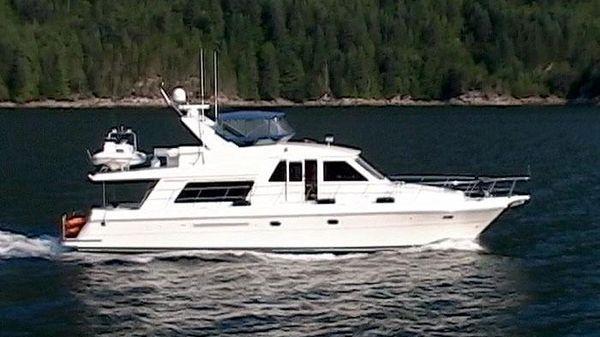 Compass Yachts Raised Pilothouse 55 Compass Raised Pilothouse Underway!