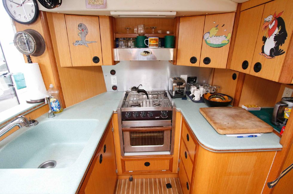Manta 42 Mark IV Galley