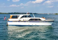 1969 Chris-Craft 57 Constellation