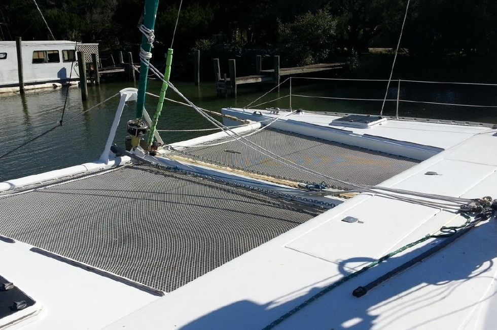 1991 Lagoon 55 - Foredeck tramps