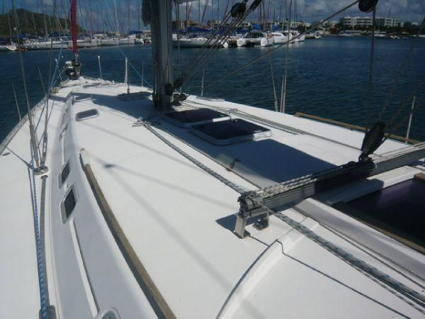 2000 Dufour 50 Classic - Foredeck