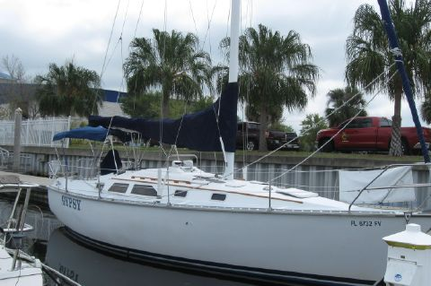 1983 Hunter 34 Sloop - Starboard side at her dock