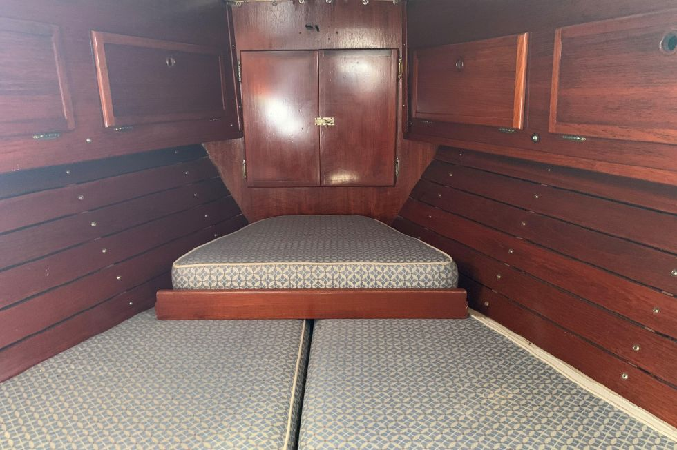 1973 Whitby Yachts 42