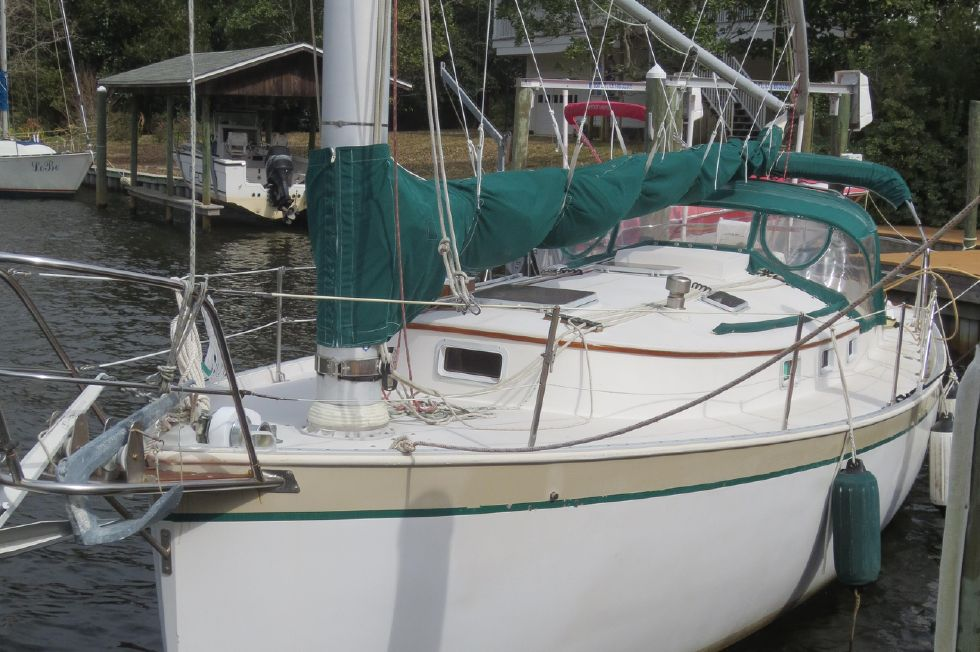 1989 Hinterhoeller Nonsuch 30 Ultra - Bow
