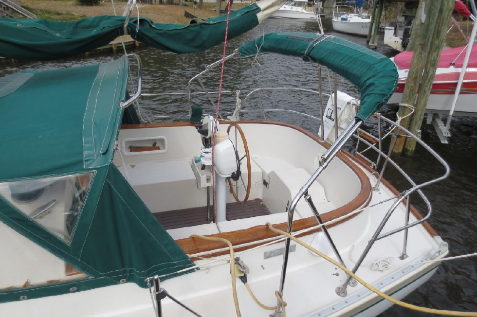 1989 Hinterhoeller Nonsuch 30 Ultra - Cockpit