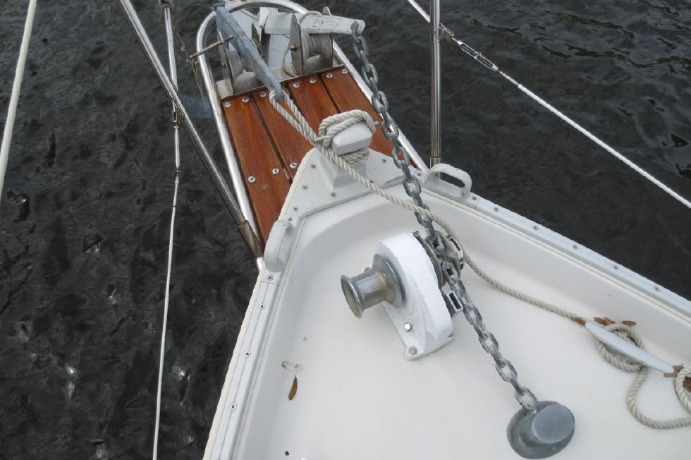 1989 Hinterhoeller Nonsuch 30 Ultra - Windlass