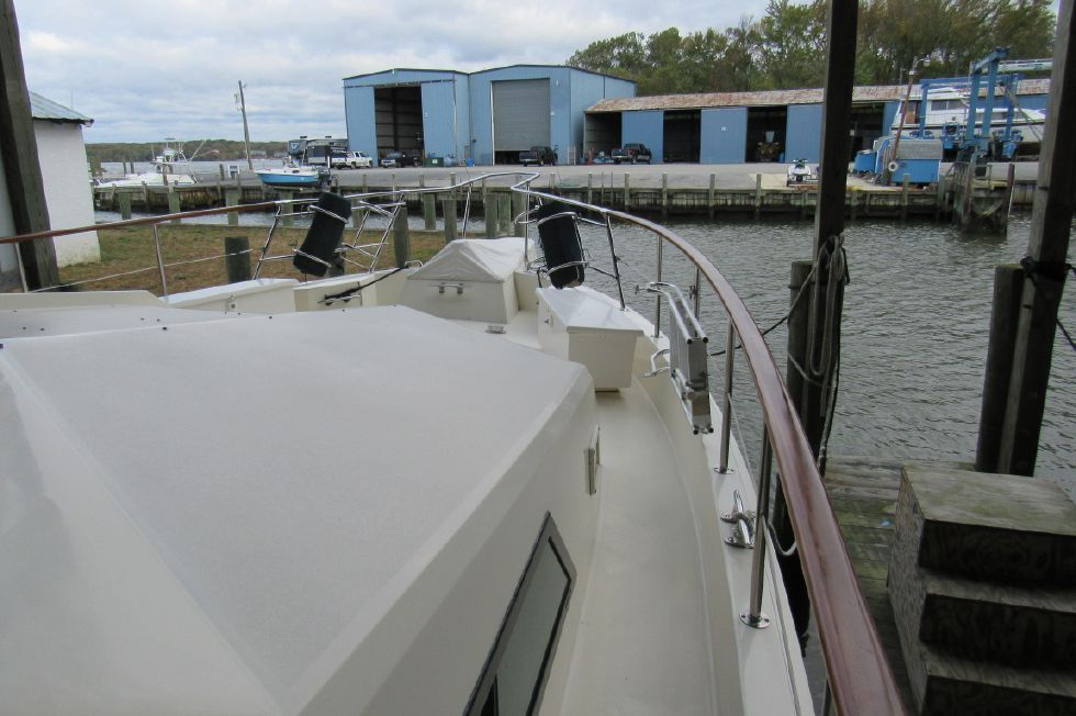 1987 Hatteras MY Stabilized Bow Thruster