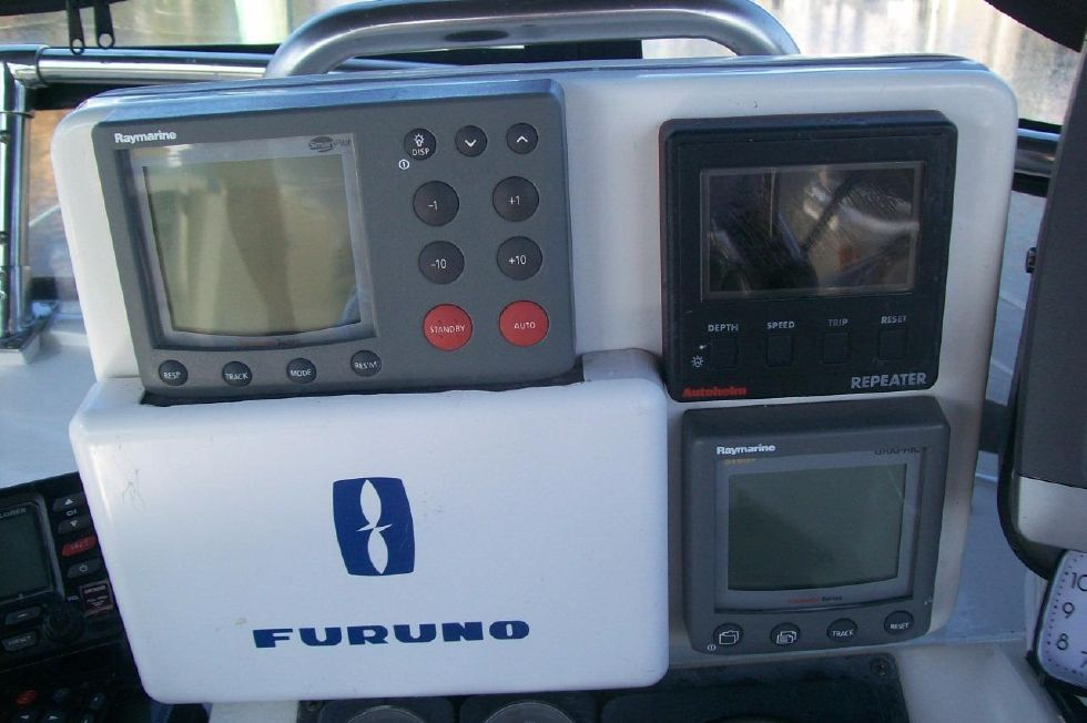 1995 Sabreline Fast Trawler - Helm Electronics