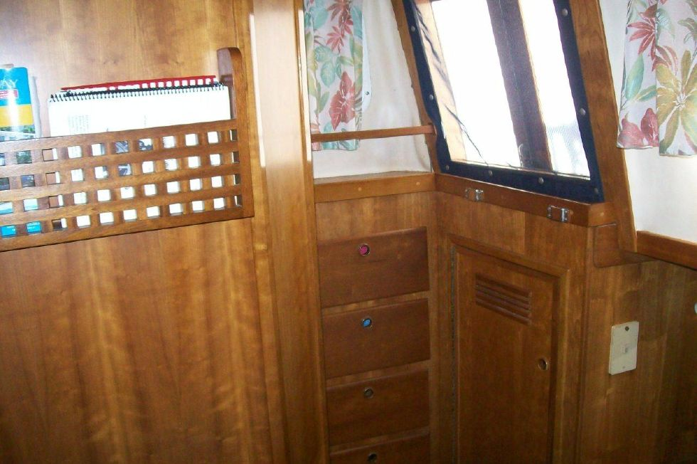 1995 Sabreline Fast Trawler - Master Storage and exit to Deck