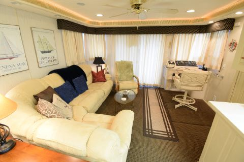 2000 Lakeview 16 x 55 Widebody Houseboat