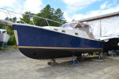 2005 Mainship 30 Rumrunner II Softtop Cruiser